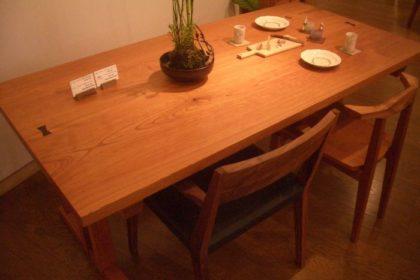 欅2枚矧ぎ板テーブル