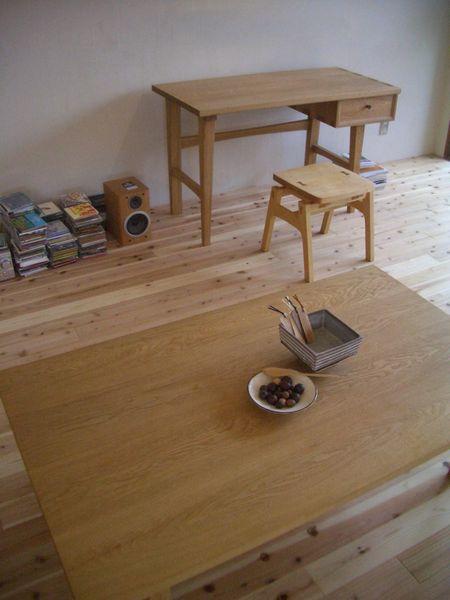 ナラ材ローテーブル
