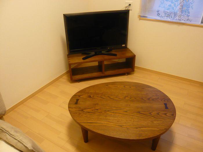 たまご型ローテーブル
