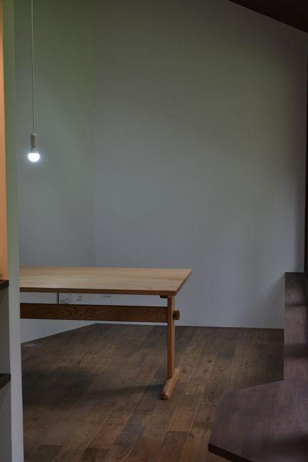 栗材ダイニングテーブル