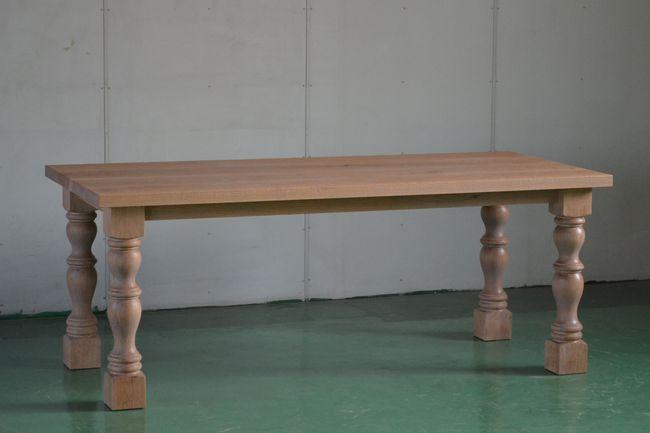 オークスピンドルレッグテーブル
