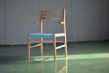 研究室の椅子